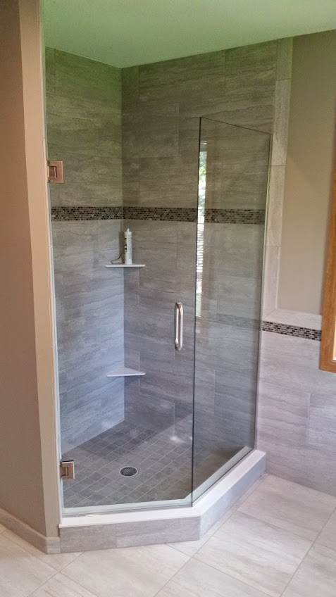 Custom shower with glass enclousure