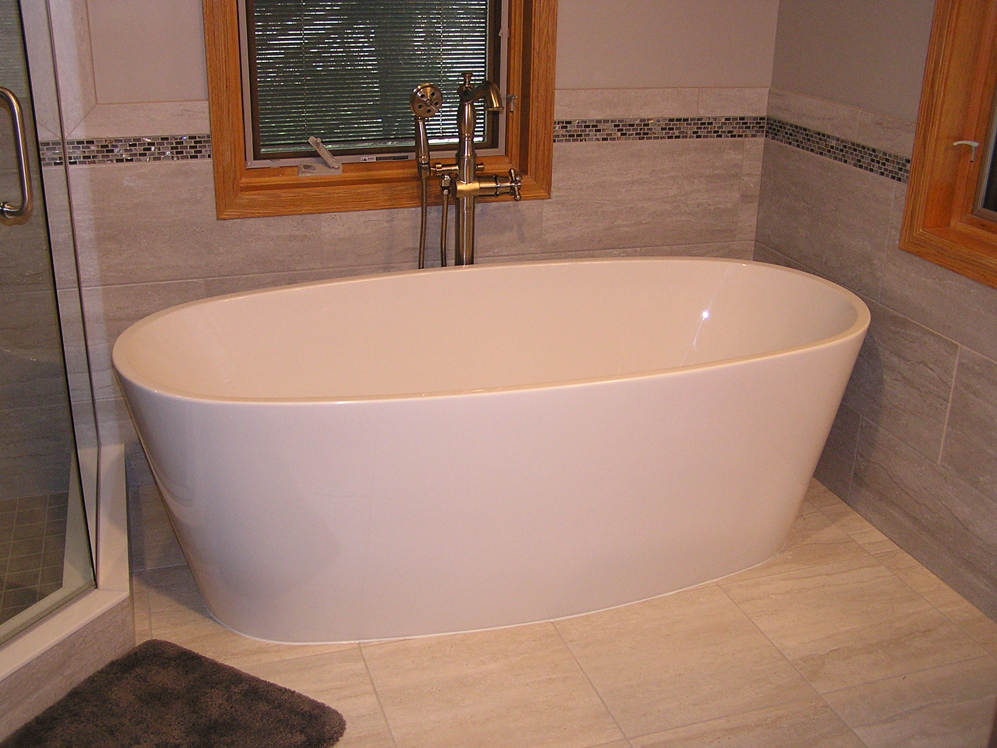 Soaker tub in Twin Cities