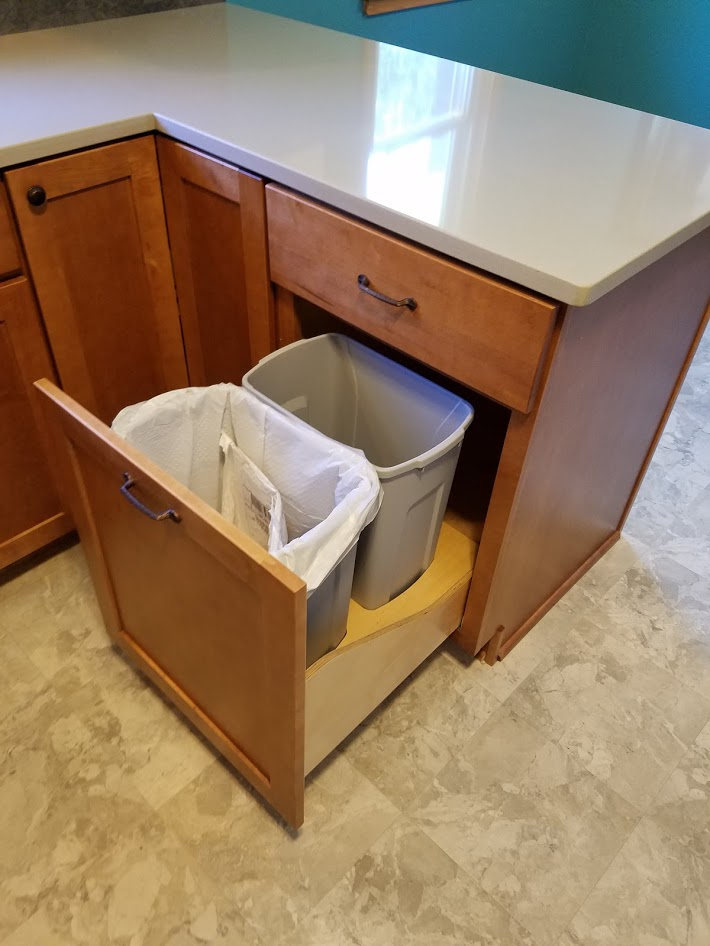 Pull out kitchen waste receptacle