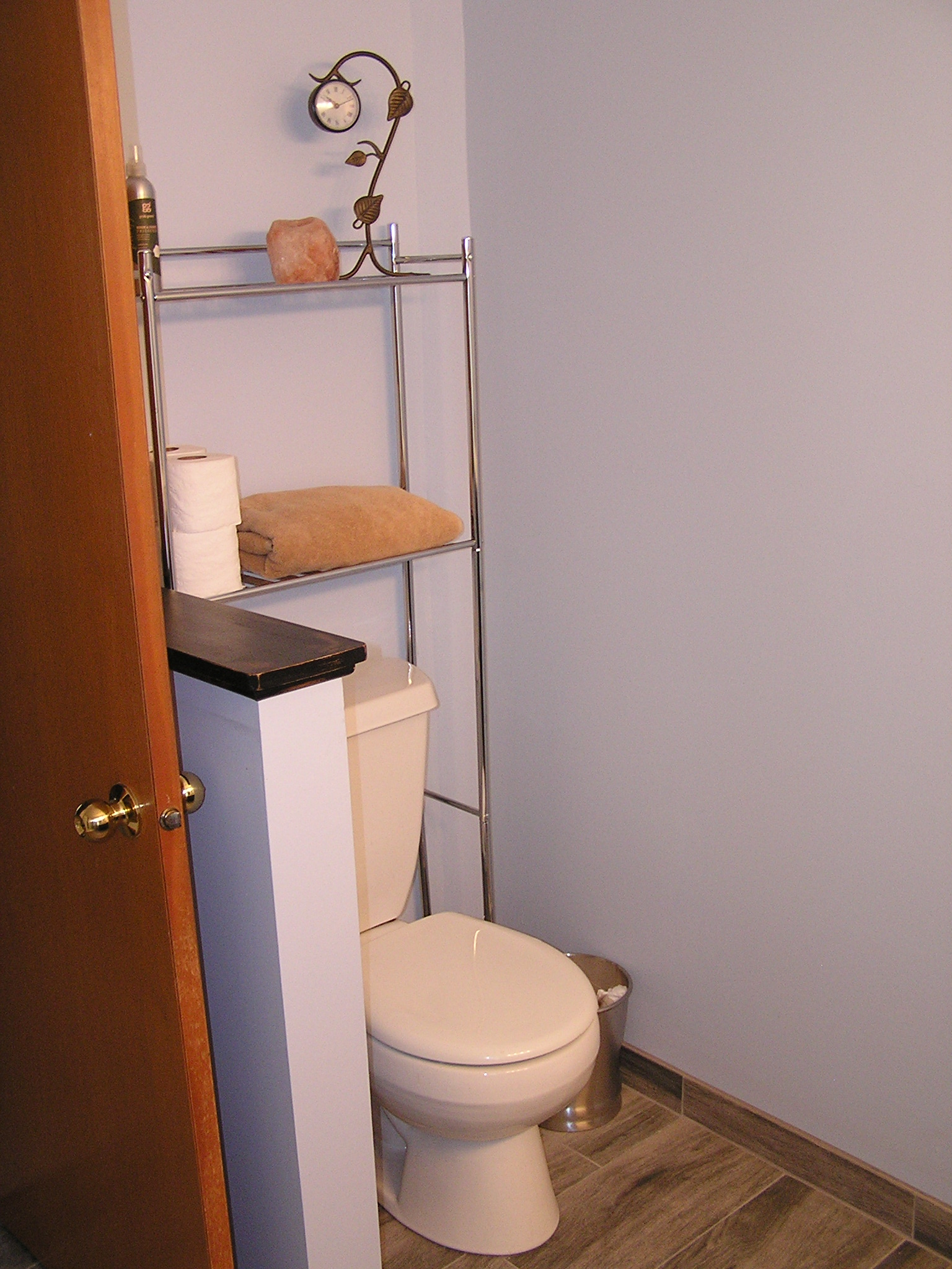Toilet alcove
