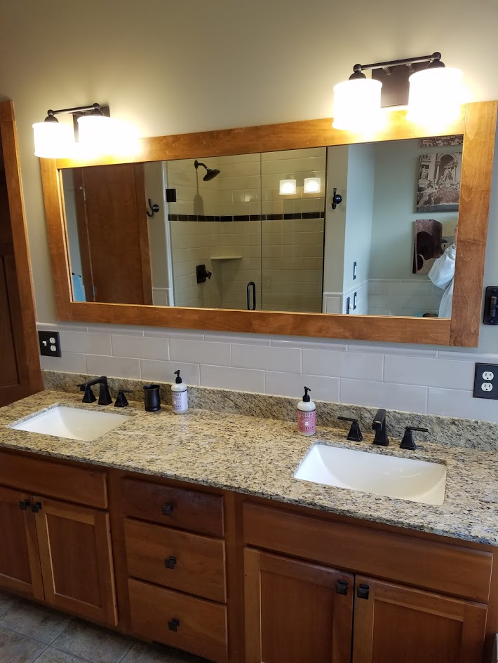 vanity, granite, maple, mirror