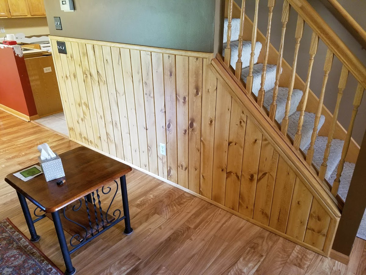 knotty pine planking